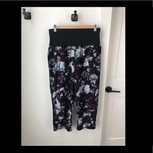 Lululemon - Fold Over Waist Crop Pant - Sz 12